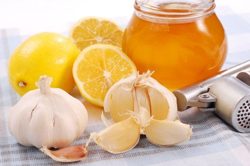 Honey, garlic and lemon, discover the benefits of this miracle mixture ...