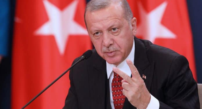 Erdogan s'irrite et veut