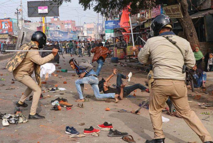 La police fait régner la terreur en Inde