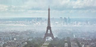 Smog Tour eiffel Paris