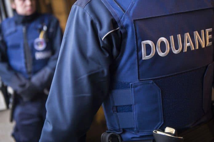 Un douanier belge «maudit» le Prophète (sws) et déclare que «le coran est faux»