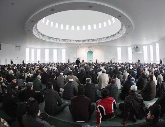 Un imam philanthrope collecte plus d'un million d'euros pour des organisations caritatives