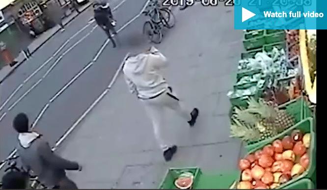 Un jeune musulman poignardé à mort en plein coeur de Londres - VIDEO