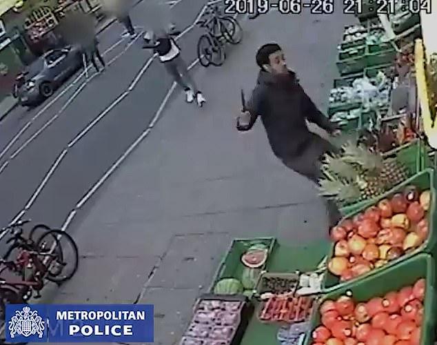 Un jeune musulman poignardé à mort en plein coeur de Londres - VIDEO2