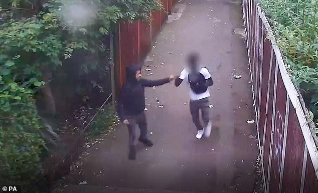 Un jeune musulman poignardé à mort en plein coeur de Londres - VIDEO3