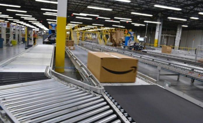 Amazon offre la livraison gratuite aux Israéliens mais pas aux Palestiniens vivants dans la même région