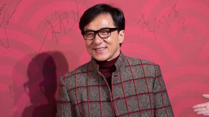 Chine - Jackie Chan offre 1 million de yuans à tous ceux qui trouveront le remède contre le coronavirus