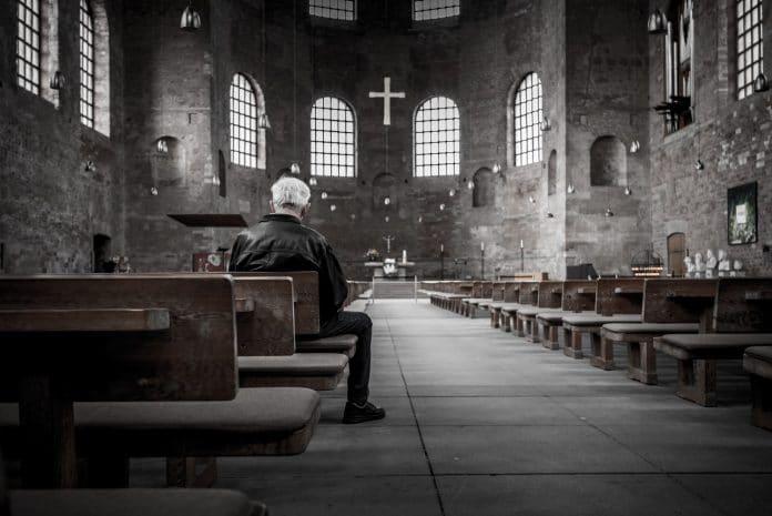 Choc - Un prêtre catholique assure que la pédophilie ne tue personne