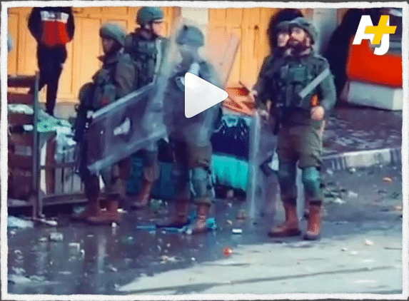 Des soldats israéliens épuisés négocient une «pause» avec des manifestants palestiniens - VIDEO