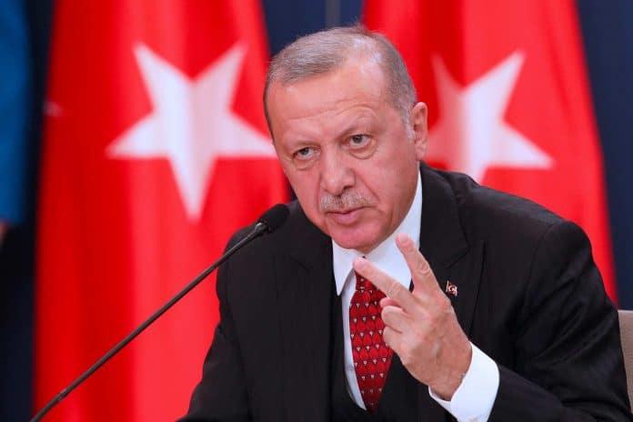 Erdogan somme Bachar al-Assad de se retirer des postes d'observation militaires turcs