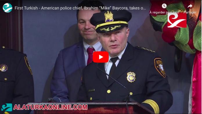 Etats-Unis Le premier chef de police américain prête serment sur le Coran - VIDEO