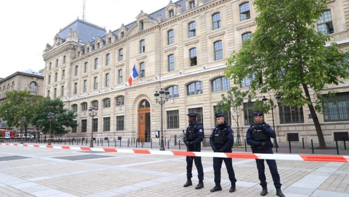 La préfecture de police de Paris demande la radiation de trois fonctionnaires musulmans