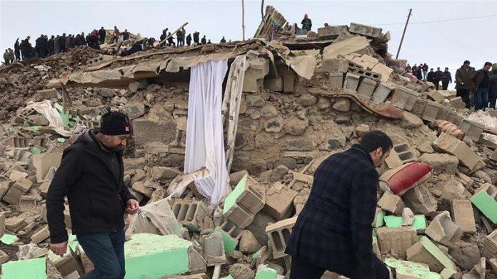 Turquie-Iran - Un violent tremblement de terre provoque la mort de 9 personnes