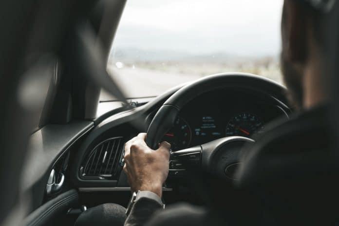 Un chauffeur musulman d'Uber a été insulté et frappé par une cliente islamophobe