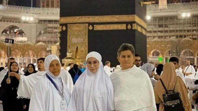 Une célébrité transsexuelle a été arrêtée lors d'un pèlerinage à la Mecque