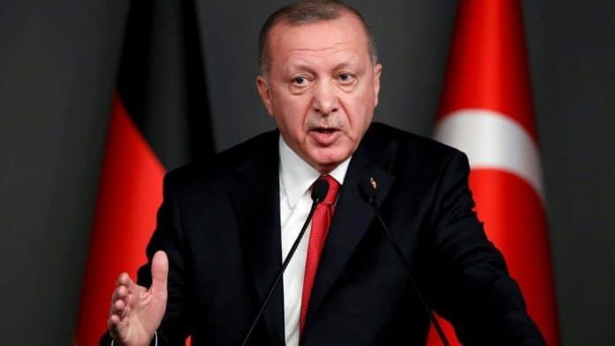 Erdogan accuse la Grèce d'utiliser des méthodes nazies contre les migrants