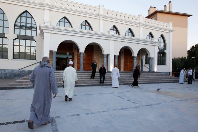 L'organisation Musulmans de France appelle à la suspension de la prière du vendredi dans toutes les mosquées