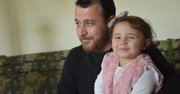 La Turquie offre une nouvelle vie à la petite Syrienne qui riait au son des bombes