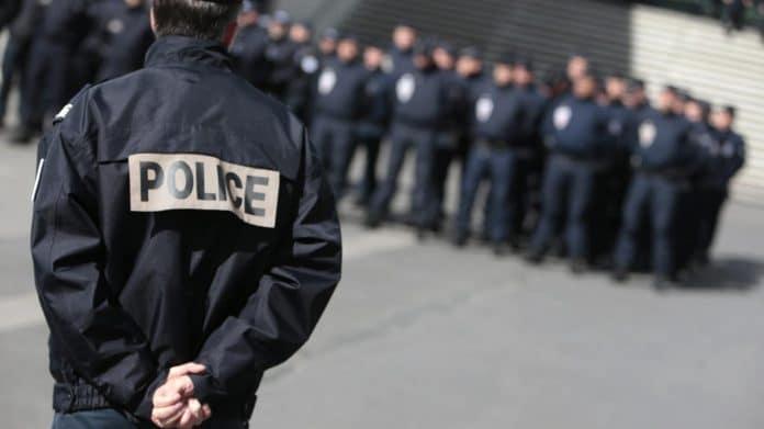 Nantes - 50 policiers en confinement après avoir été exposé à des cas suspects