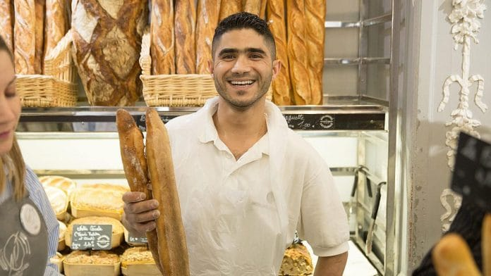 Taieb Sahal remporte le concours de la meilleure baguette de Paris 2020