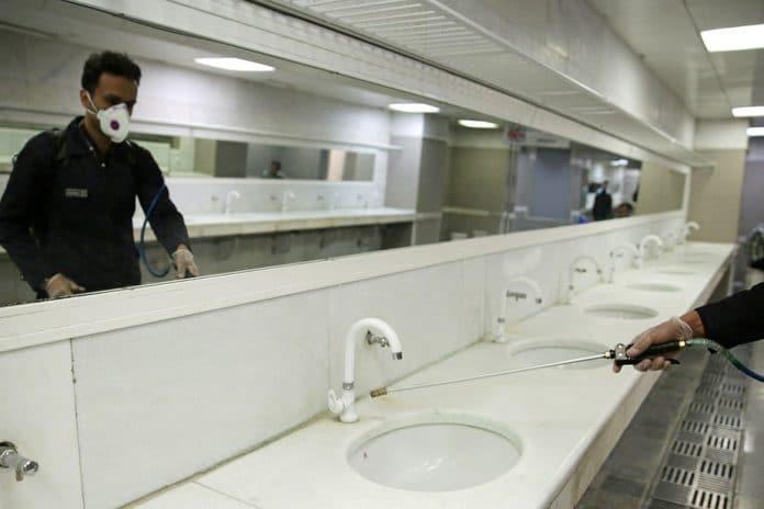 Un faux employé propose une désinfection contre le coronavirus et cambriole une maison