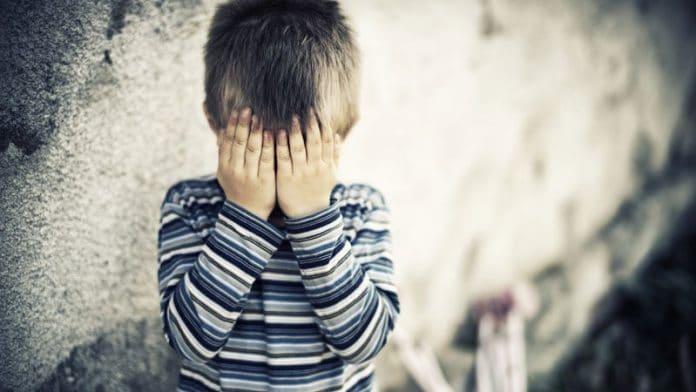 Un garçon devient pratiquement aveugle à cause d'un simple jouet