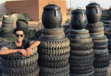 Un jeune Marocain transforme des pneus usagés en objets déco qui s'arrachent !