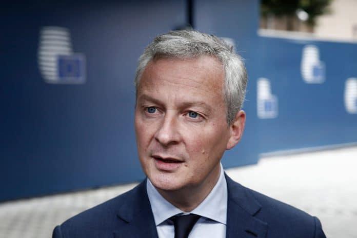 Nous sommes favorables à ce que le 11 mai, tous les commerces puissent rouvrir annonce Bruno Le Maire