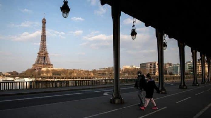Coronavirus : 500 000 masques distribués gratuitement aux Parisiens dans quelques jours