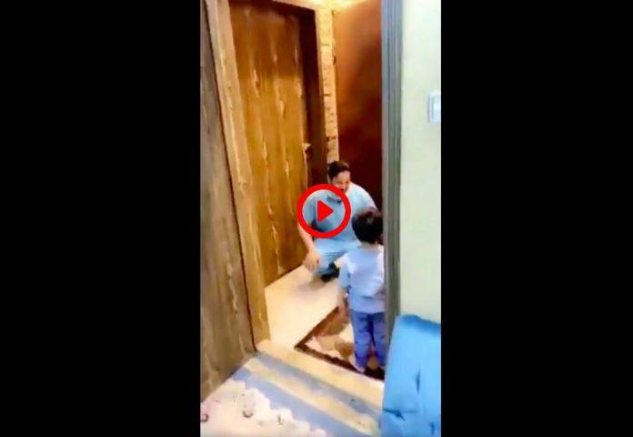 Coronavirus Un médecin saoudien s'effondre en larmes devant son fils qu'il ne peut embrasser VIDEO