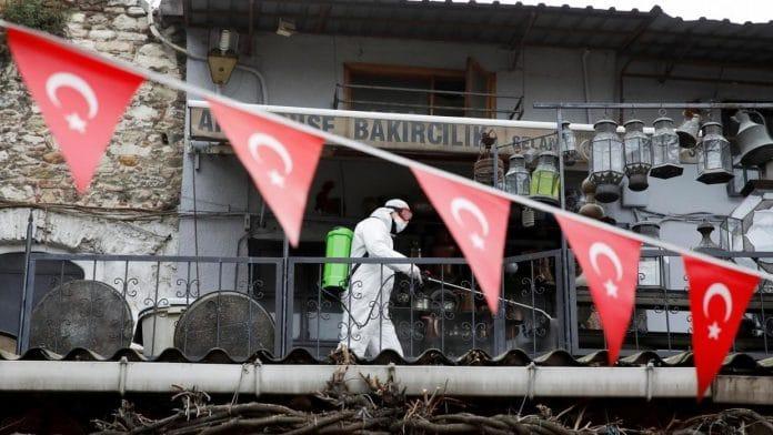 Coronavirus- les décès de Covid-19 en Turquie dépassent les 500, selon le ministre de la Santé