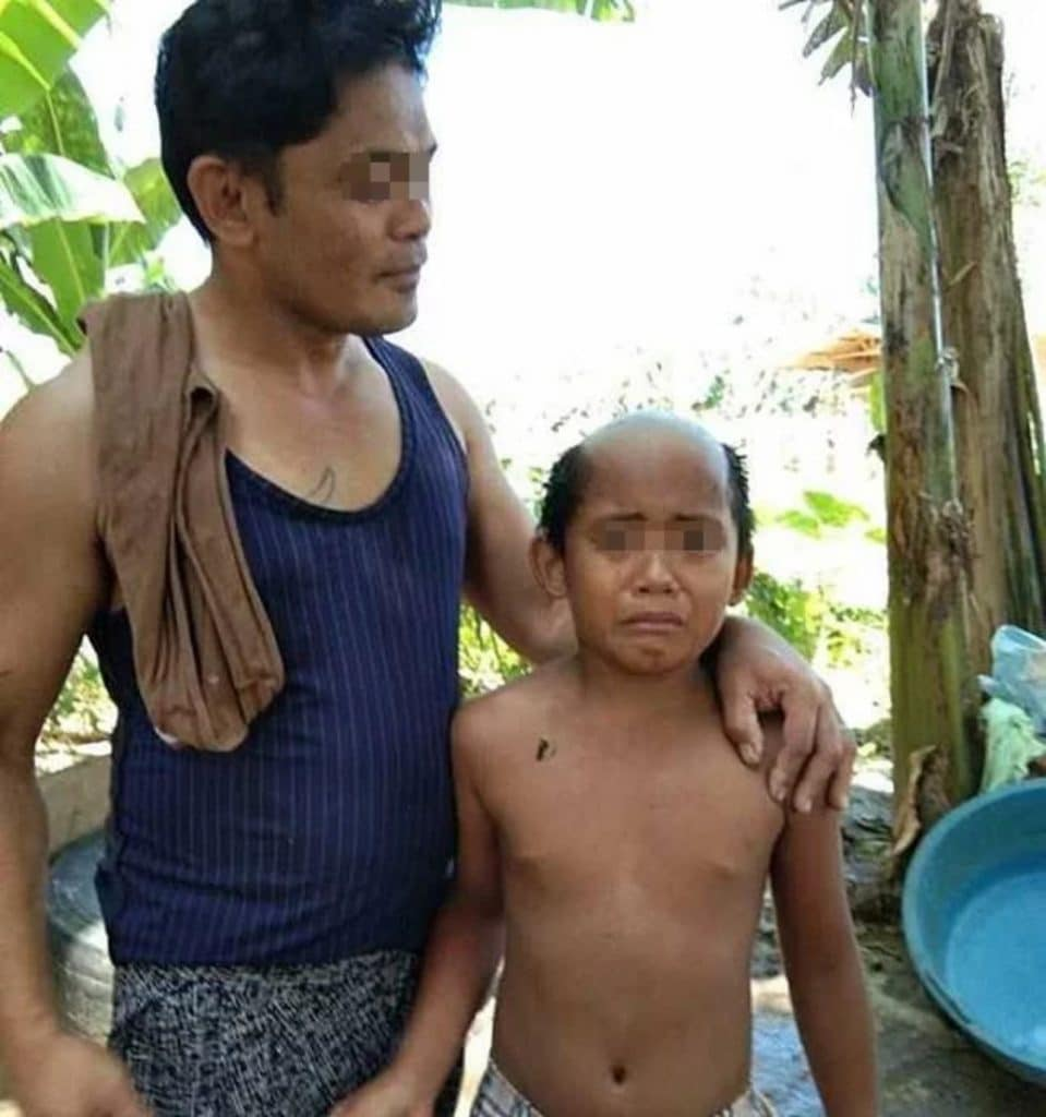 Coronavirus - un père fait une coupe honteuse à son fils pour le forcer à respecter le confinement2