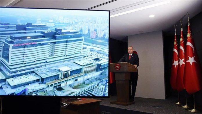 La Turquie inaugure un méga-hôpital pour les patients COVID-19 à Istanbul