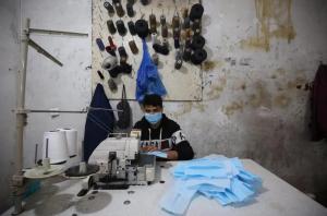La bande de Gaza fabrique des masques par millions pour l'Europe