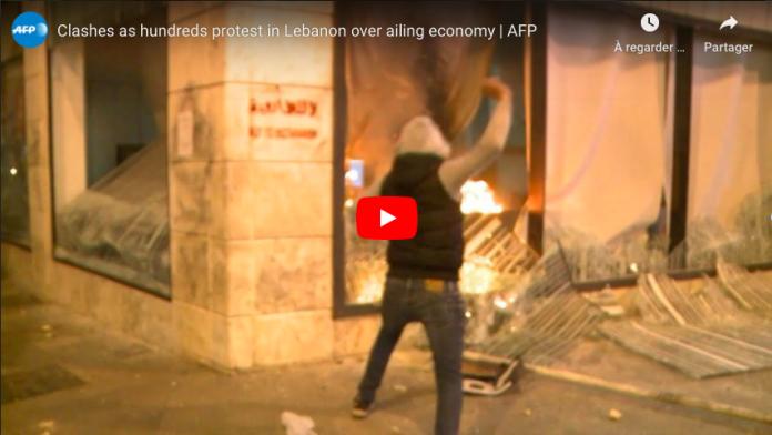 Liban de violentes émeutes surviennent après la flambée des prix provoquée par la pandémie VIDEO