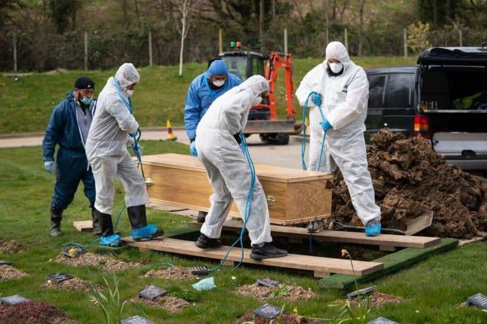Royaume-Uni - Ismail mort du coronavirus à 13 ans est enterré sans sa famille à ses funérailles