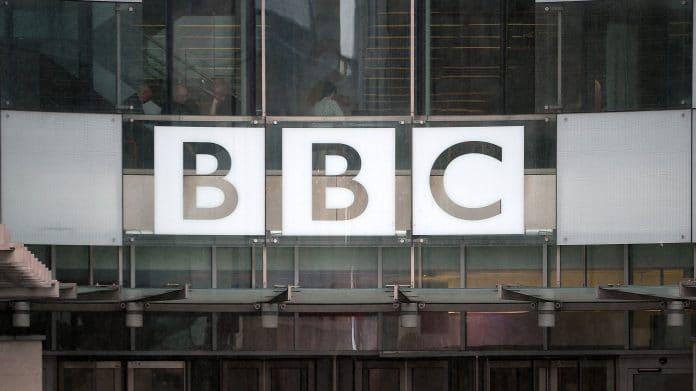 Royaume-Uni - la BBC diffuse des rappels et des sermons musulmans pendant la fermeture des mosquées