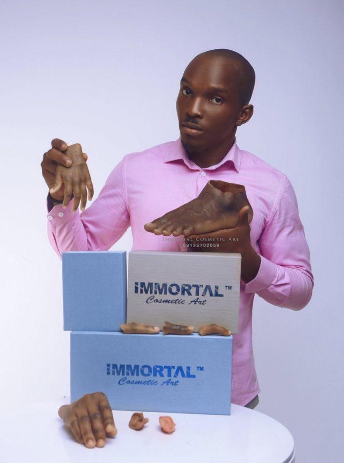 Santé : Un jeune Nigérian fabrique des prothèses de couleur noire