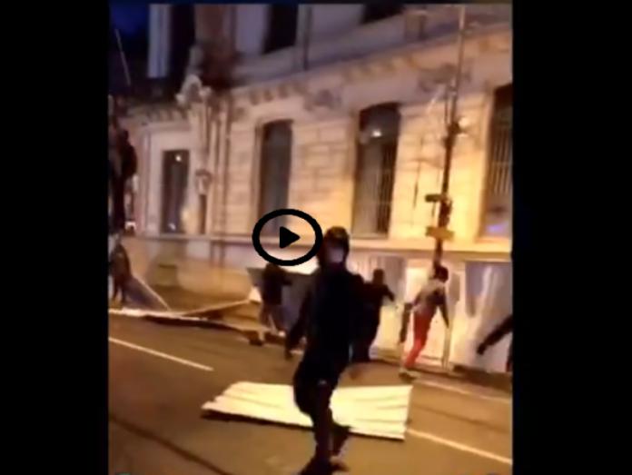 Vives tensions à Villeneuve-la-Garenne depuis l'accident entre un jeune et la police - VIDÉO