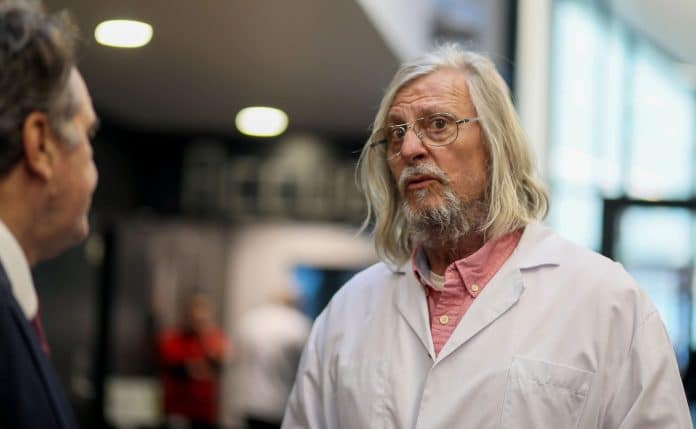 «Nous sommes des gens pragmatiques, pas des oiseaux de plateau télé» - l'interview choc du Pr Didier Raoult au Parisien