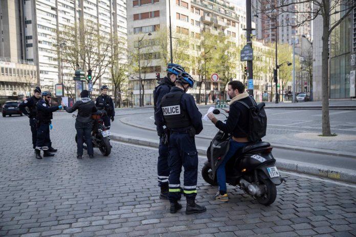 Confinement - de «faux-policiers» simulaient des contrôles pour voler leurs victimes