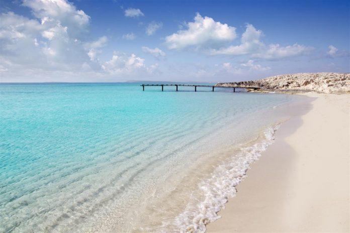 Coronavirus : Polémique après que des plages espagnoles aient été désinfectées à la javel