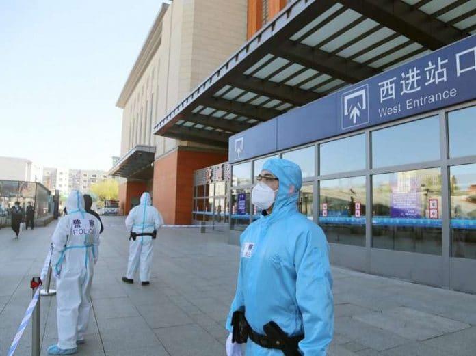 Coronavirus : la Chine reconfine plus de 100 millions de personnes à cause de nouveaux foyers de contamination