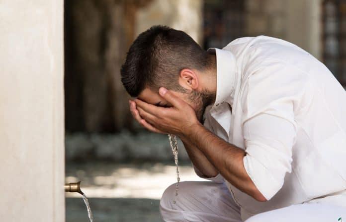 Coronavirus - les ablutions auraient protégé les Musulmans selon une étude britannique