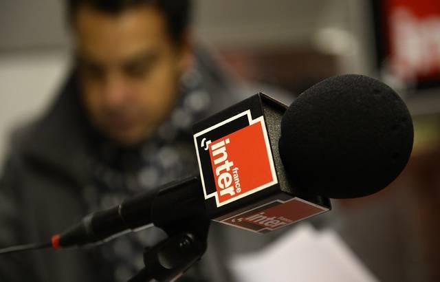 Énorme malaise - Khaled, un auditeur, dénonce en direct la discrimination de France Inter - VIDÉO