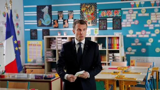 Emmanuel Macron valide le projet d'enseignement de la langue arabe dès le CE1