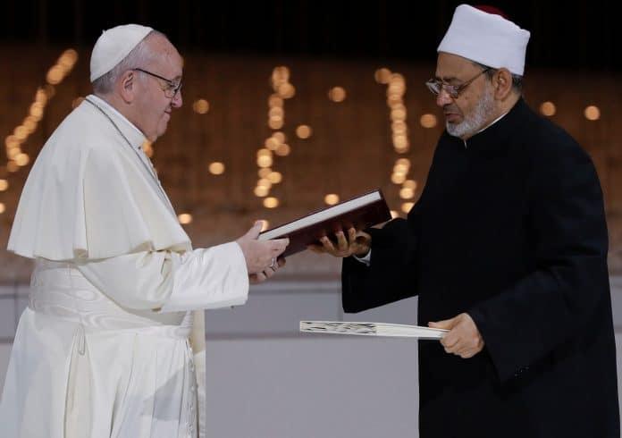 Le Pape et le grand imam d'Al-Azhar appellent Chrétiens et Musulmans à prier ensemble jeudi