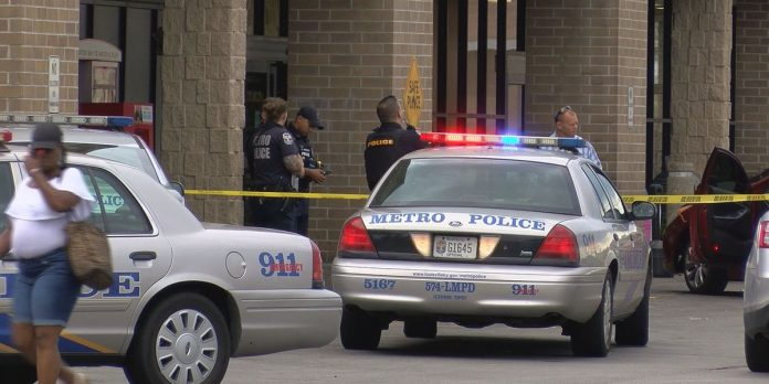 Les policiers se trompent d'adresse et tuent une jeune femme noire dans son sommeil