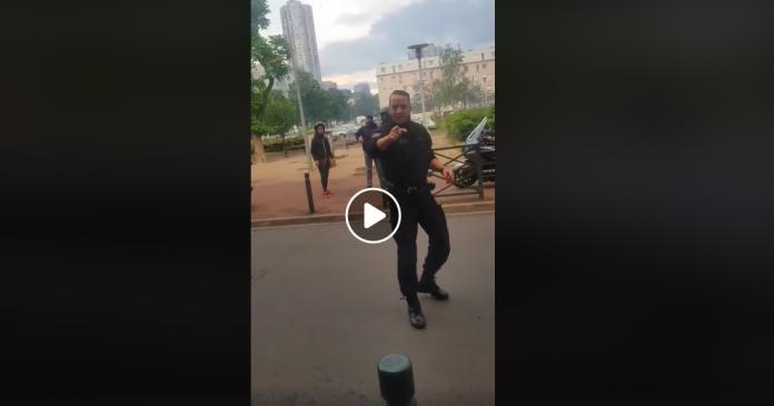 Nanterre un policier disjoncte complètement devant des habitants - VIDEO