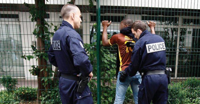 Pourquoi la police verbalise-t-elle plus les habitants de la Seine-Saint-Denis ?